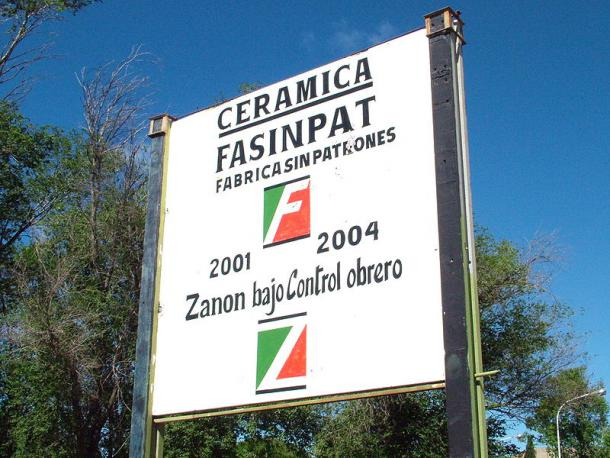 FatSinPat - Fábrica sin Patrones = Fabrik ohne Chefs (Quelle: Wikimedia Commons)