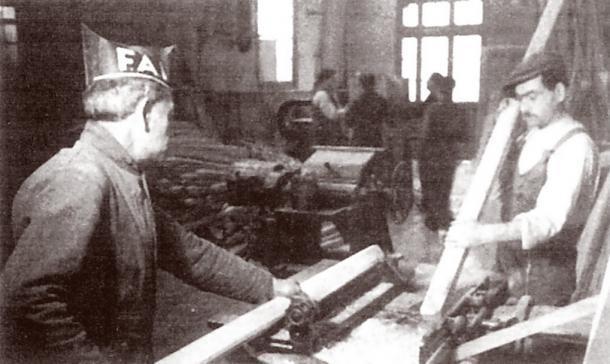 Βιομηχανική κολλεκτιβοποίηση κατά τη διάρκεια της Ισπανικής Επανάστασης