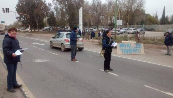 Trabajadores de Zanon y Cerámica Neuquén se manifestaron contra el tarifazo